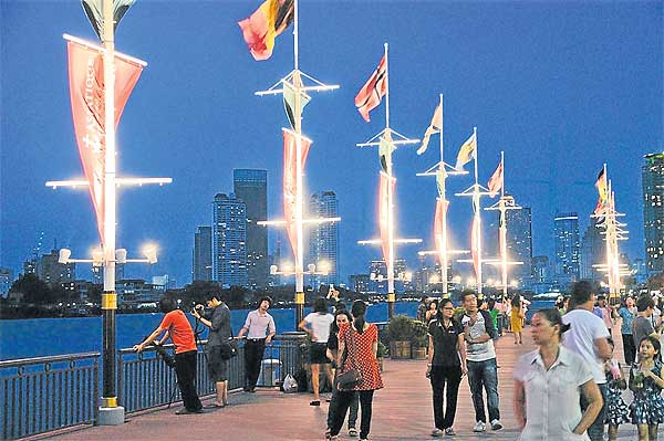 Riverfront Pathwaynya (Photo By : Bangkok Post)