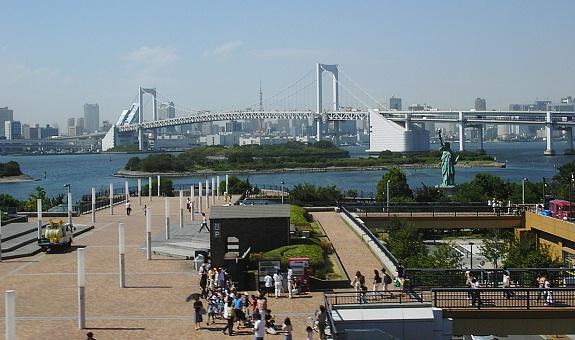 Rainbow Bridge dan Patung Liberty di Odaiba Island
