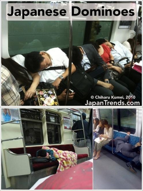 Salah satu kegiatan utama orang Jepang adalah tidur di kereta (Photo By : Japantrends.com)