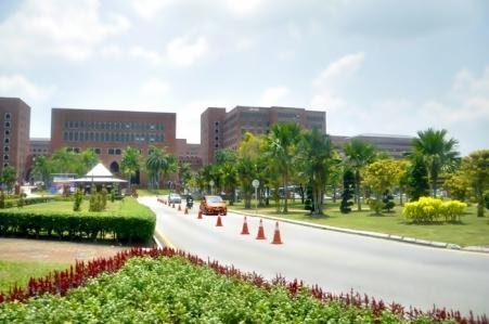 Siang yang terik di Putrajaya