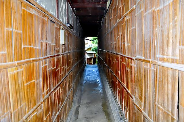 Gang antar rumahpun terlihat bersih dan bebas sampah