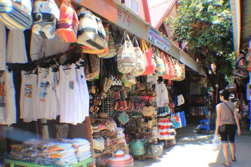 Bagian depan Kim Noor Souvenir Shop