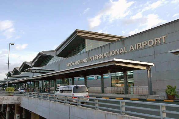 Bagian Depan Terminal 3 NAIA