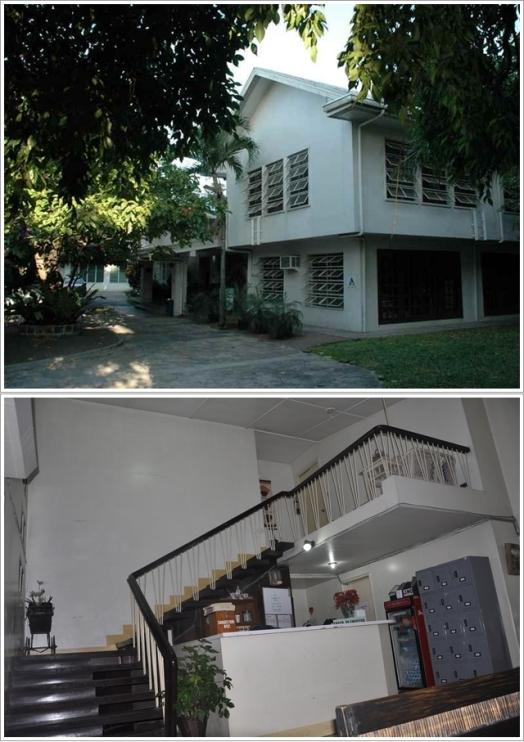 Bagian Depan Hostel (Atas) dan Resepsionisnya (Bawah)