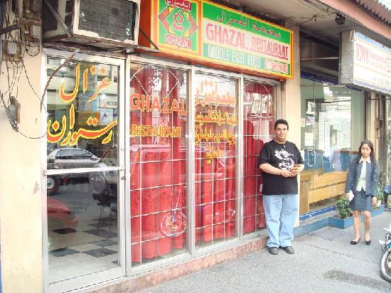 Ghazal Restaurant, Salah satu restoran halal dekat Malate Pensionne (Photo By : DJ-AT)