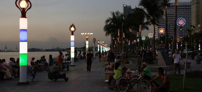 Manila Baywalk Di Waktu Senja (Photo By : Stefan Munder)