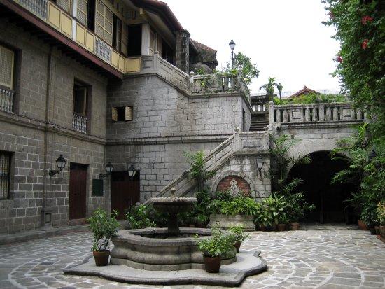 Patio di Casa Manila