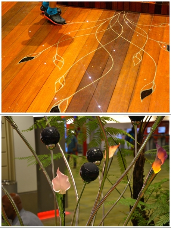 Sensor Gerak di Enchanted Garden (atas) dan Bunga-Bunga yang Mekar (Bawah)
