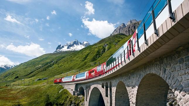 Kereta Glacier Express Swiss