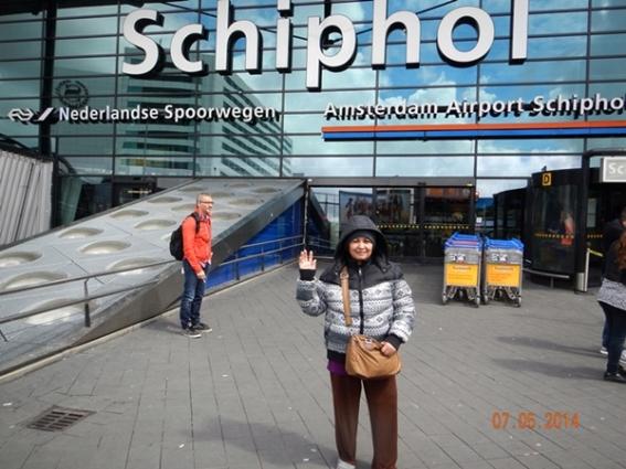 Bagian Depan Amsterdam Airport Schipol