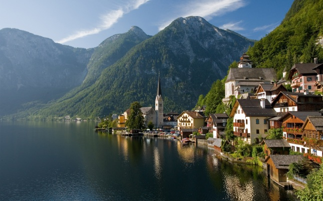 Hallstatt dari titik Gosaumühlstraße (Photo by : wikipedia)