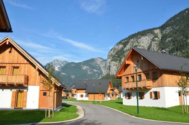 Salah satu villa yang disewakan di Obertraun (Photo By : Trip Advisor)