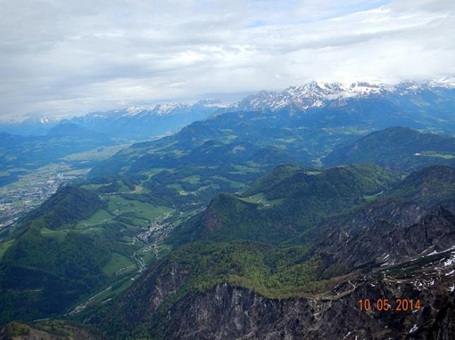 Pemandangan dari salah satu puncak Mt. Untersberg