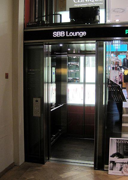 Lift menuju SBB Lounge Zurich HB
