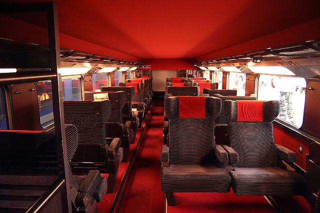 Tempat duduk kelas 1 di TGV