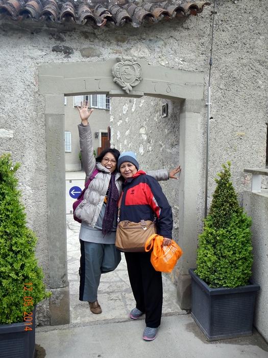 Saya dan Ibu Mertua di Schloss Laufen