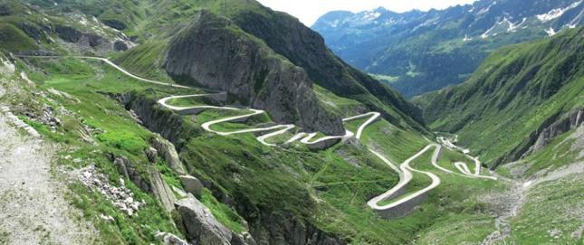 Salah satu sudut jaln-jalan di pegunungan Swiss (Photo by : Krisna Diantha)