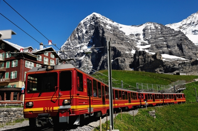 Kereta Api Jungfraujoch - Kleine Scheidegg (Photo by: april14,1978)