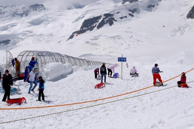 Pemandangan Jungfraujoch di bulan Juli