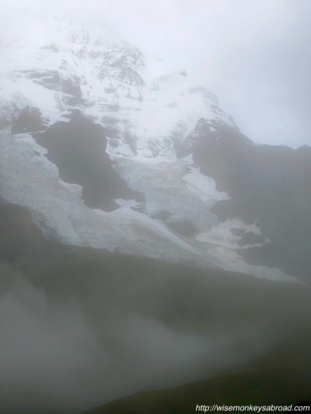 Pemandangan Junfraujoch saat berkabut (Photo by : wisemonkeysabroad)