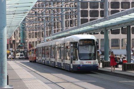 Trem di Jenewa